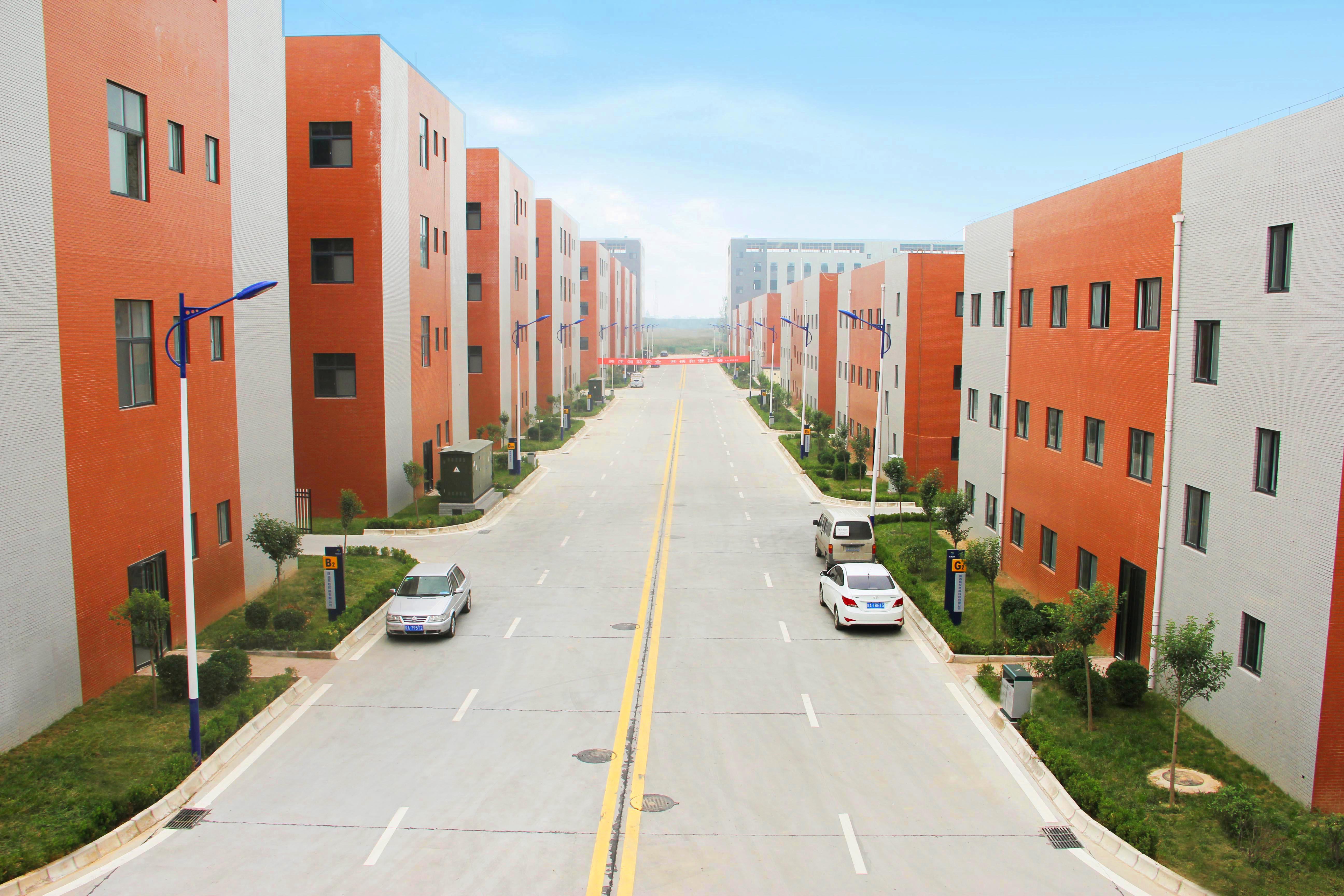 产品丰富—— 标准厂房,单层钢结构厂房,双拼厂房,微型厂房,企业孵化